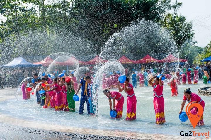 Songkran được tổ chức ở nhiều nơi khác nhau