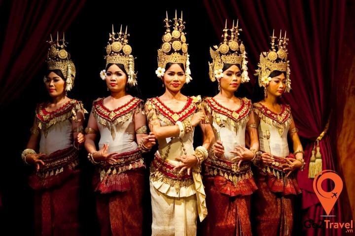 Trang phục truyền thống của người Campuchia