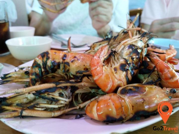 Món tôm sống nướng hấp dẫn bậc nhất Thái Lan