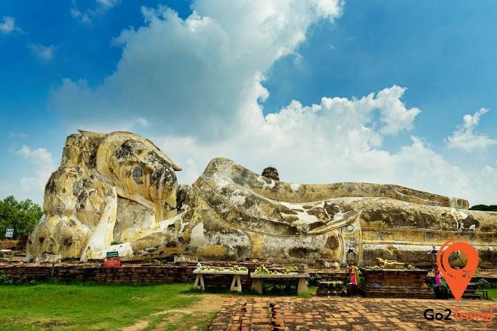 Tượng Phật nằm khổng lồ tại Wat Lokayasutharam
