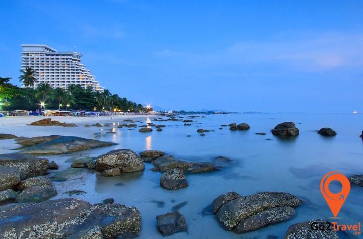 Bãi biển thơ mộng Hua Hin