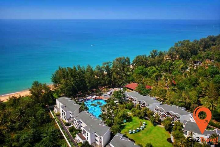Mai Khao là bãi biển dài nhất ở Phuket