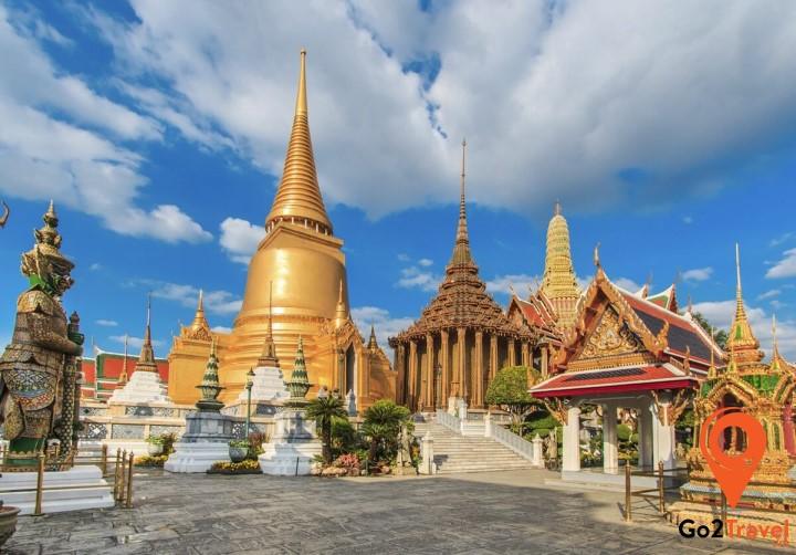 Wat Phra Kaew nguy nga lộng lẫy giữa thủ đô Bangkok