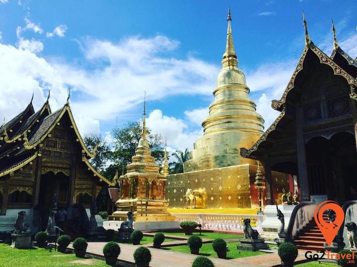Quang cảnh cực đẹp tại sân chùa Phra Singh
