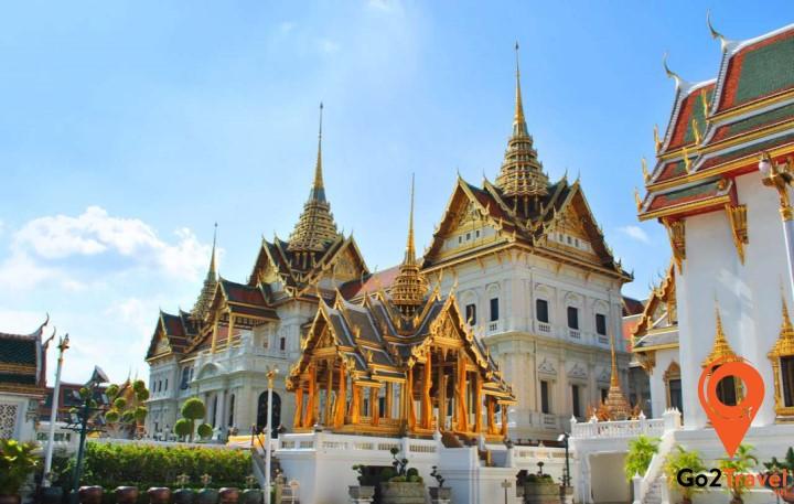 Wat Pho nằm phía sau Chùa Phật Ngọc