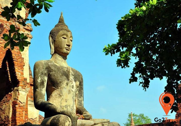 Wat Mahathat là một trong sáu ngôi chùa thuộc hoàng gia Thái được xây dựng vào thời Ayutthaya