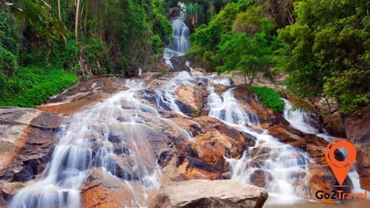 Vẻ đẹp của thác Na Muang