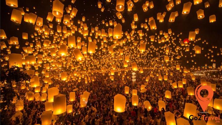 Đèn lồng được thả ở nhiều nơi tại Chiang Mai