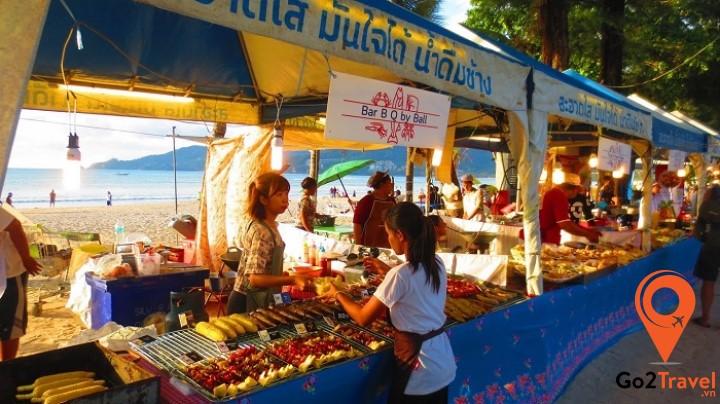 Lễ hội hải sản bên bãi biển
