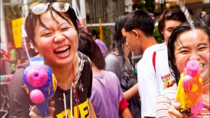 Trong mọi hoàn cảnh, người Thái đề có thể nở nụ cười