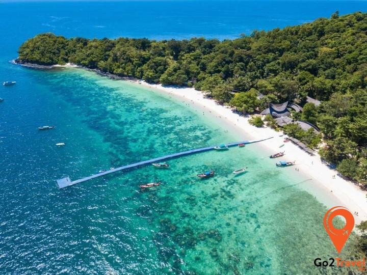 Bãi biển Jomtien rộng lớn