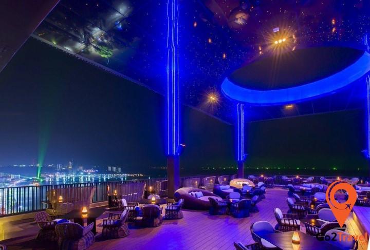 Horizon Rooftop Bar tại Hilton