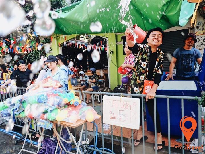 Được xem là cái nôi của lễ hội té nước ở Chiang Mai cùng diễn ra nhiề hoạt động thú vị