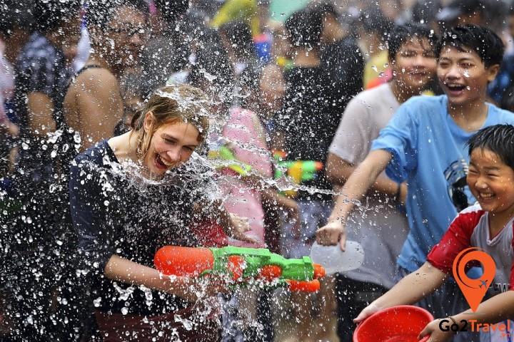 Bangkok được xem là nơi tổ chức lễ hội Songkran lớn nhất nước