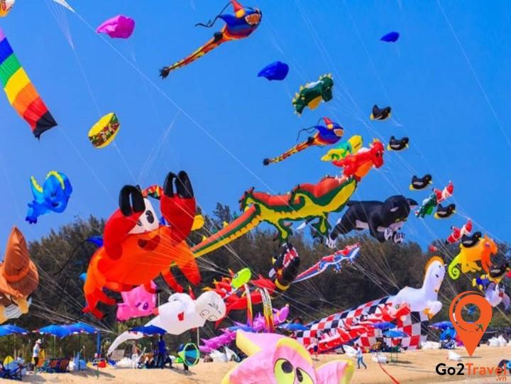 Cùng tham gia lễ hội thả diều khi đến Phuket vào tháng 3 nhé!
