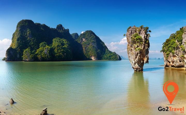 Phong cảnh thơ mộng tại vịnh Phang Nga