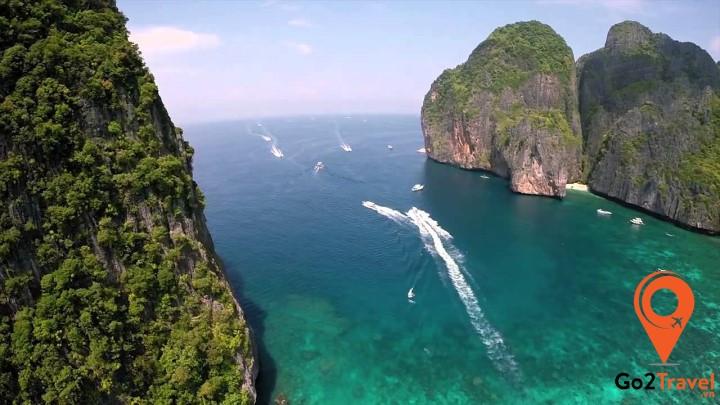 Biển xanh trong ở Koh Phi Phi