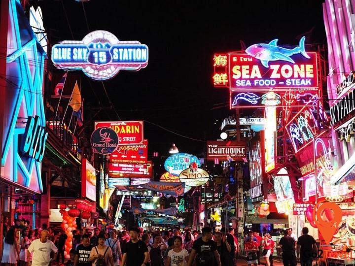 Thành phố Pattaya nhộn nhịp về đêm