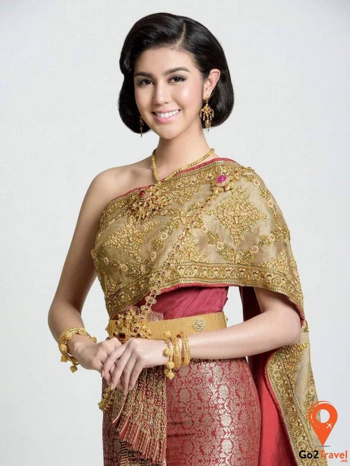 Thai Chakkri thường được mặc trong các dịp lễ quan trọng