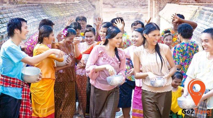 Những điều cần lưu ý về văn hoá giao tiếp của người Thái Lan