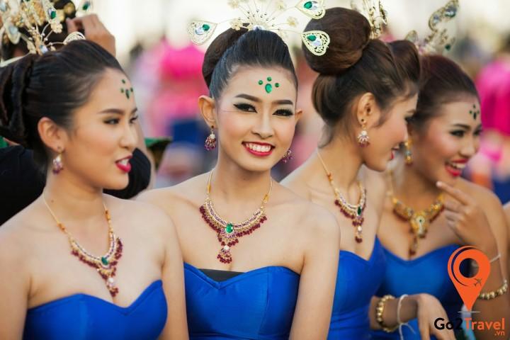 Nụ cười Thái đã trở thành thương hiệu níu chân bao du khách khi đến với mảnh đất này